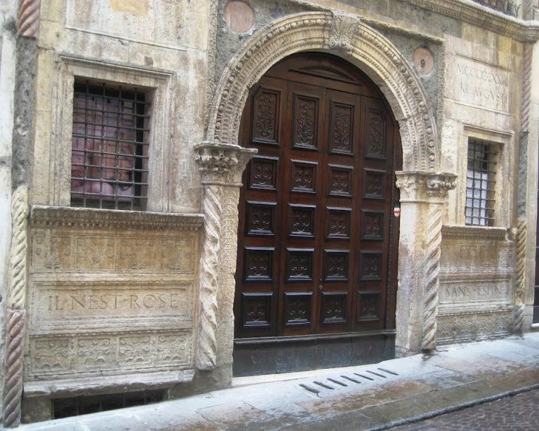 Facciata della casa del Pigafetta a Vicenza