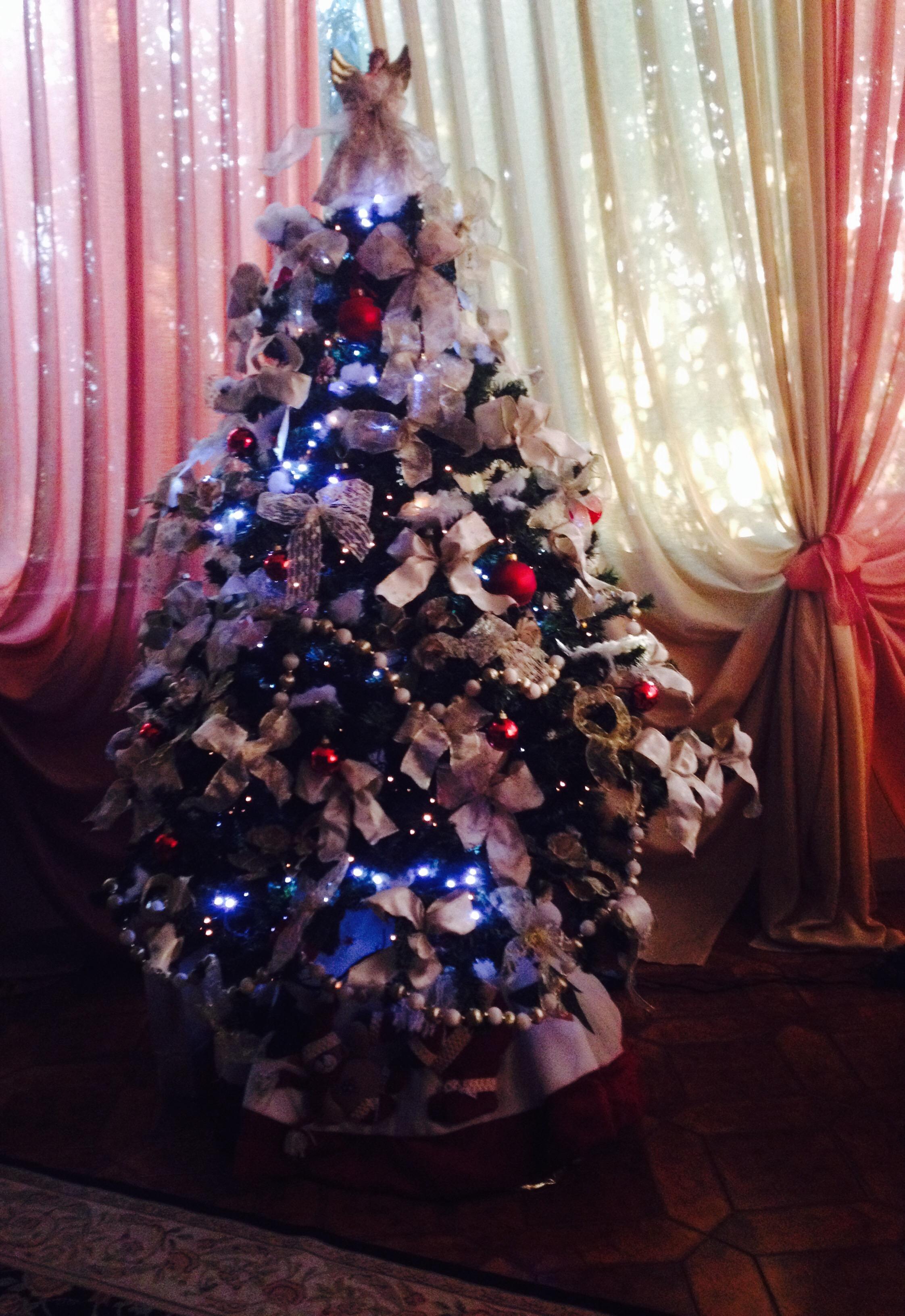 Albero Di Natale Tumblr.Storie Dell Albero Di Natale Non C E Rosa Senza Spine By Giuma